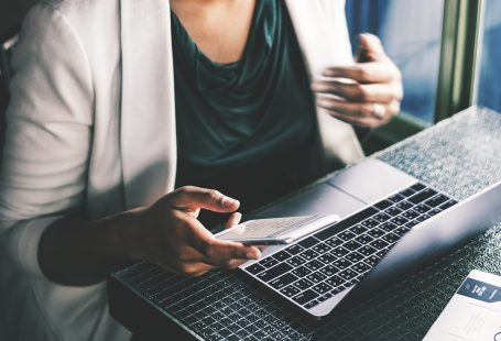 Steer Clear Of Scams While Finding A Job Online